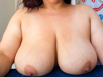 Gabriela - 38C - Horny MILF with big tits