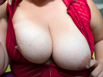 Miranda - 38D - Big fat titties
